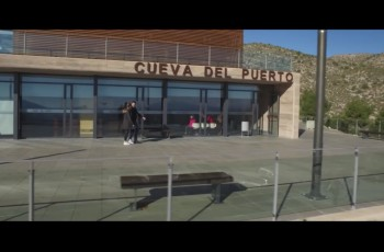 Centro de Visitantes Cueva del Puerto 1